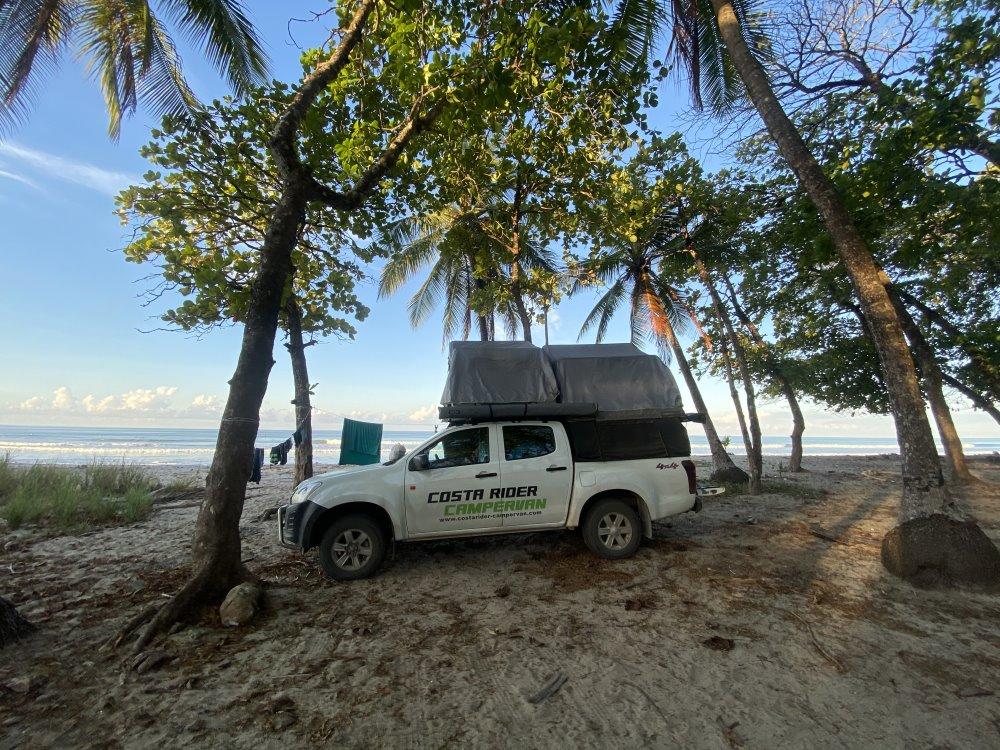 Campervan familial plage Costa Rica
